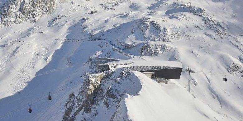 The Flexenbahn cable way sits upon a beautiful snowy perch on the Arlberg.
